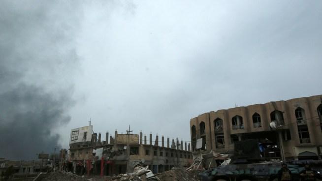 Ataque aéreo sobre un colegio en Mosul deja decenas de muertos