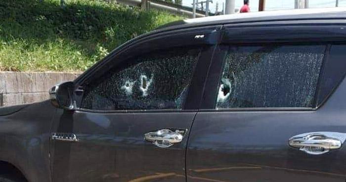 Un vigilante muerto y 2 lesionados tras tiroteo afuera de supermercado en Santa Ana