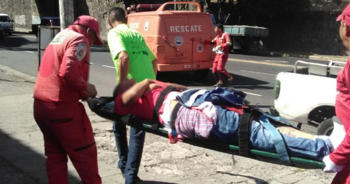 Joven lesionado tras ataque armado en Bulevar Venezuela, San Salvador
