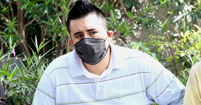 Atacó a su padre con espada y un cuchillo en final de 75 Avenida Norte de San Salvador