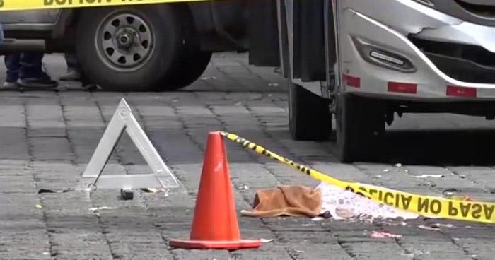 Mujer murió al ser atropellada por autobús Ruta 371-B en San Miguel