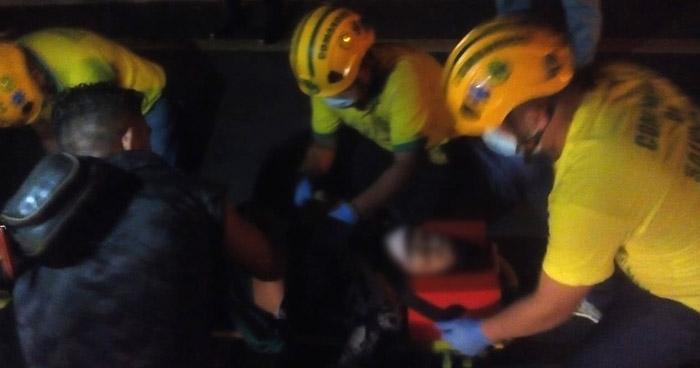Mujer lesionada tras ser atropellada en carretera a Quezaltepeque