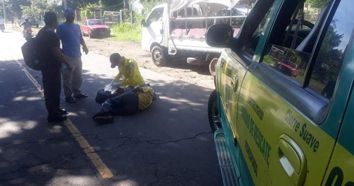 Anciano es atropellado en carretera antigua a Santa Ana