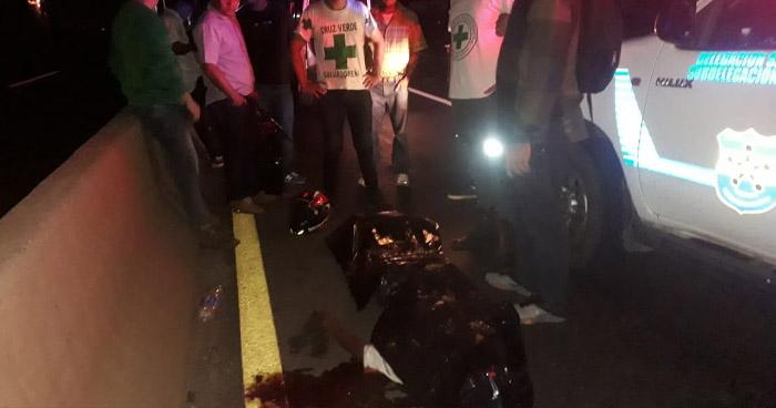 Hombre muere atropellado en carretera a Santa Ana