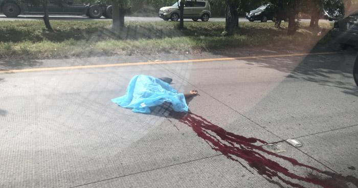 Un hombre murió tras ser atropello sobre carretera del redondel Integración hacia Apopa