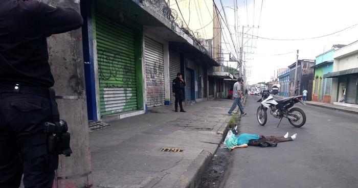 Hombre pierde la vida tras ser atropellado en el centro de San Salvador