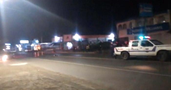 Mujer pierde la vida al ser atropellada carretera Litoral, en Usulután