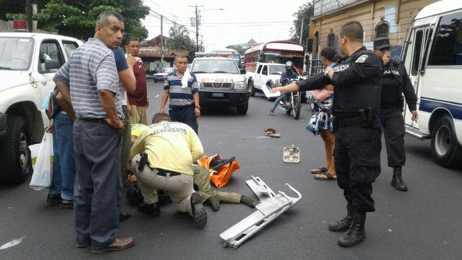 Hombre de 72 años muere tras ser atropellado en el Centro de San Salvador