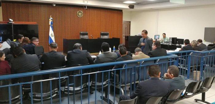 Suspenden audiencia especial contra exprimera dama porque peritos de la FGR no se presentaron