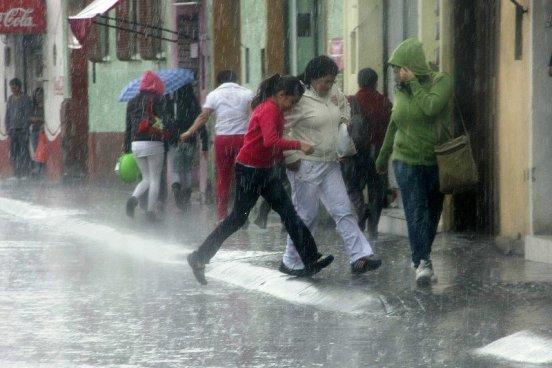 Aviso por onda tropical en territorio salvadoreño
