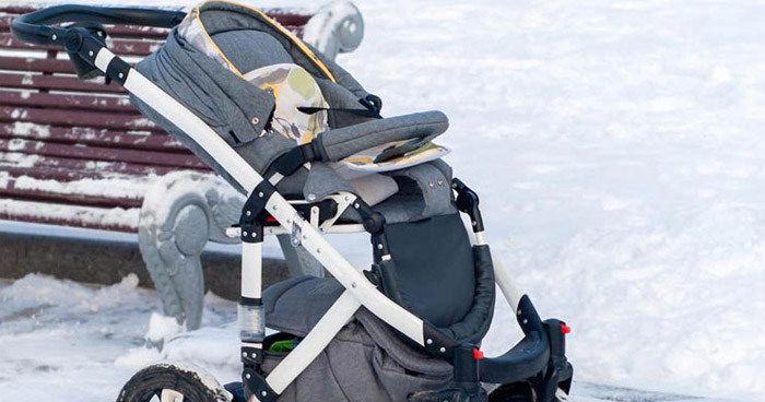 Bebé de 7 meses muere congelado tras ser olvidado por sus padres en un balcón