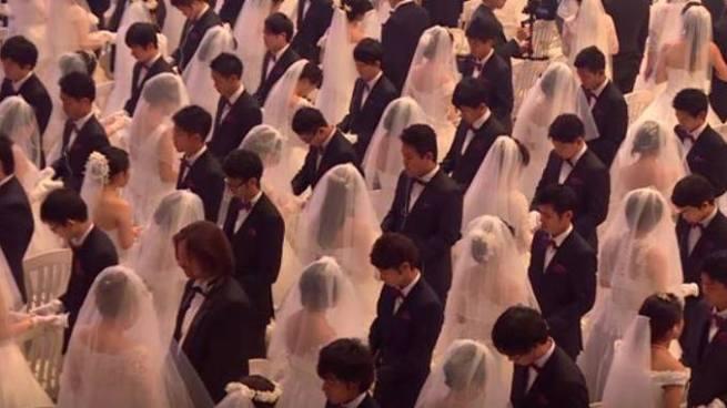 4 mil parejas de la Iglesia de la Unificación se casaron el mismo día en Corea del Sur