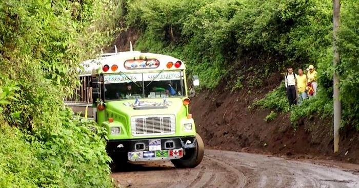 Pandilleros ametrallan bus en Comasagua, La Libertad