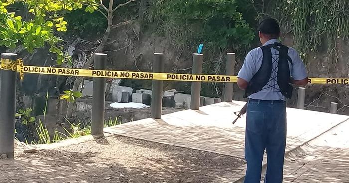 Encuentran cadáver de menor de edad que murió ahogado en Playa de Acajutla