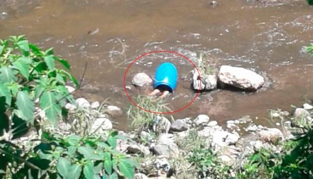 Encuentran un cadáver al interior de un barril dentro del río Acelhuate, Apopa
