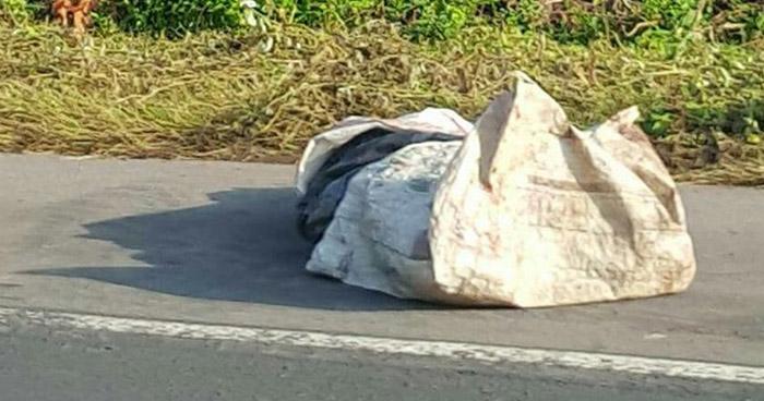 Hallan cadáver al interior de una bolsa sobre carretera Litoral en La Libertad