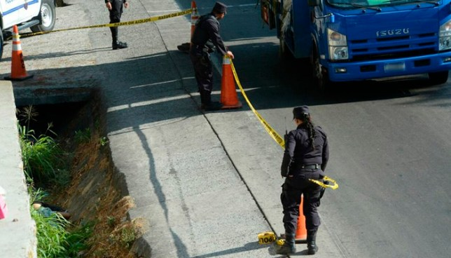 Abandonan el cadáver de un hombre sobre la carretera Troncal del Norte, Ciudad Delgado