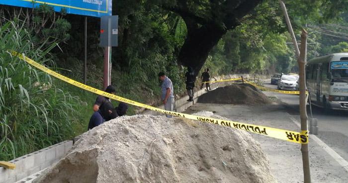 Hallan el cadáver de un hombre envuelto en sábanas en la colonia Guadalcanal de Ciudad Delgado