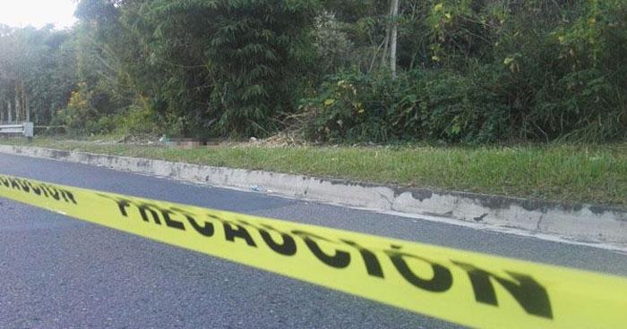 Cadáver de una persona fue abandonado en tragante en Bulevar Luis Poma