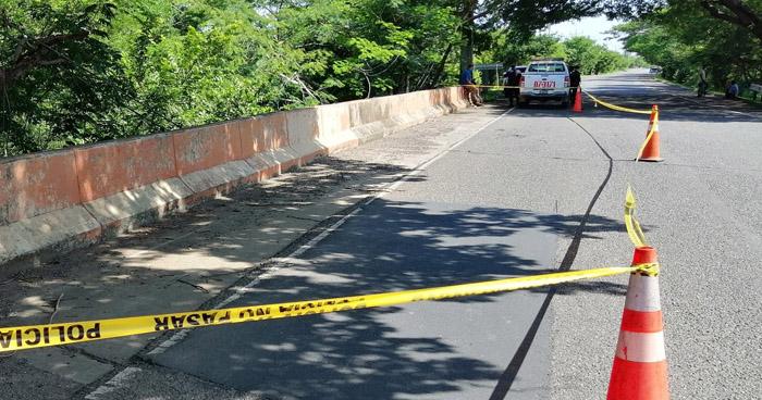 Asesinan a una mujer y abandonan su cadáver en puente de La Unión