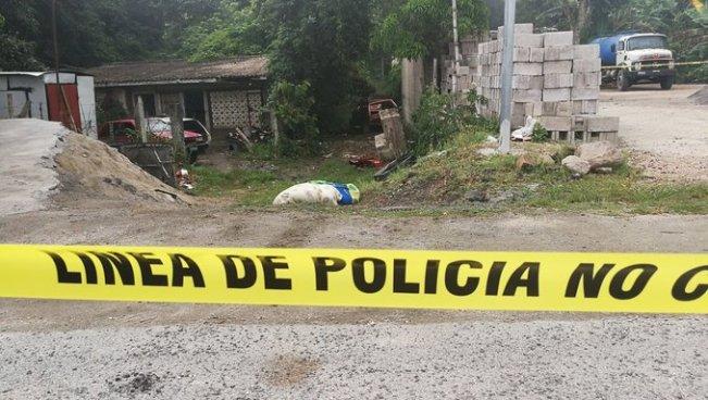 Localizan cadáver desmembrado y envuelto en dos sabanas en San Martín