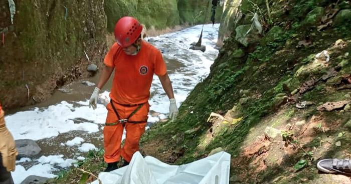 Recuperan cadáver de un hombre ubicado en río Acelhuate
