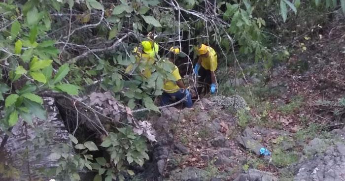Recuperan el cuerpo sin vida de un hombre en quebrada de Sensuntepeque, Cabañas