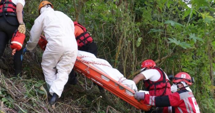 Recuperan cadáver de un hombre en río La Cañas, en Soyapango