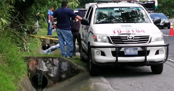 Encuentran cadáver en carretera Panamericana, Cuscatlán