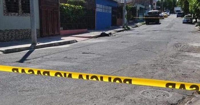 Abandonan cadáver adentro de un saco de nylon en Barrio de Santa Ana