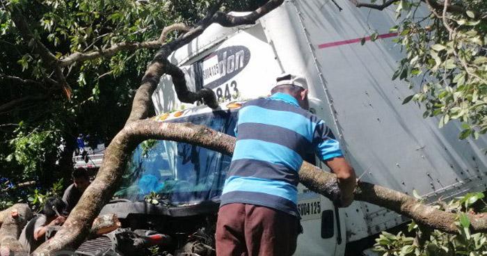 Un lesionado tras accidente en carretera a San Vicente