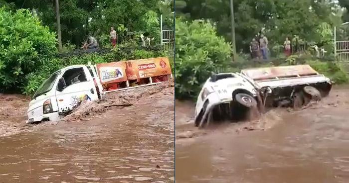 Captan momento que camión es arrastrado por una creciente en Chirilagua, San Miguel
