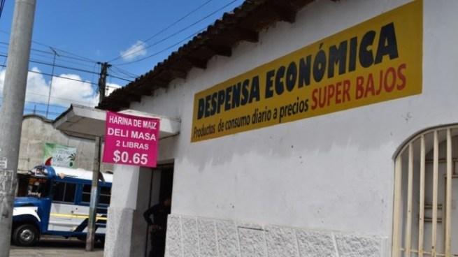 Capturan al propietario y el proveedor de Despensa Económica por distribuir productos sin registro sanitario