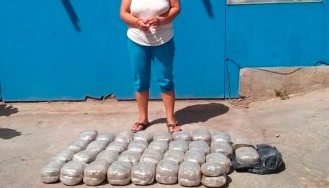 Capturan a mujer en Chalatenango y le incautan más de 60 libras de marihuana
