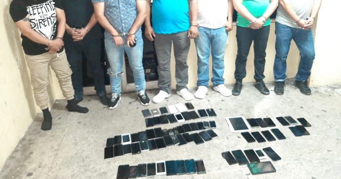 Siete capturados con 99 celulares en centro de San Salvador