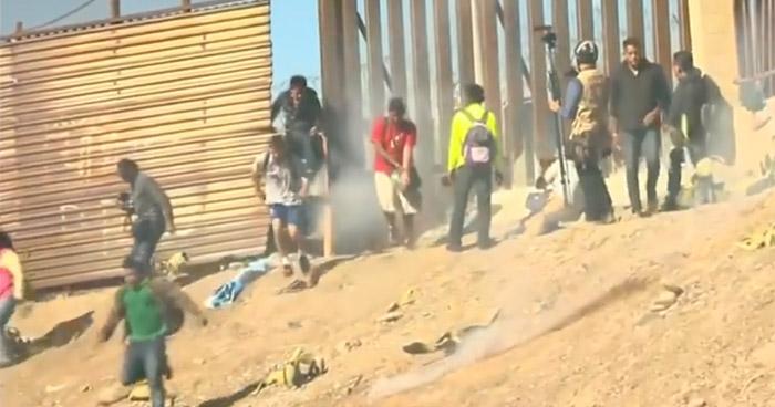 Deportarán 500 integrantes de la caravana que intentaron ingresar a EE.UU de forma violenta