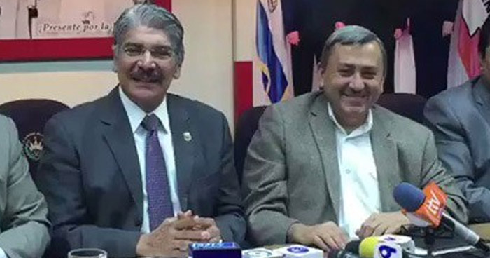 Comisión presidida por Carlos Reyes no se reunió hoy porque aún anda de viaje en Rusia