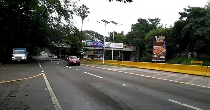 Habilitan dos carriles para ambos sentidos en carretera Los Chorros