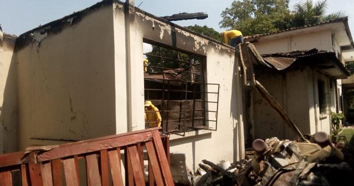 Incendio destruyó instalaciones de una escuela para personas con Síndrome Down