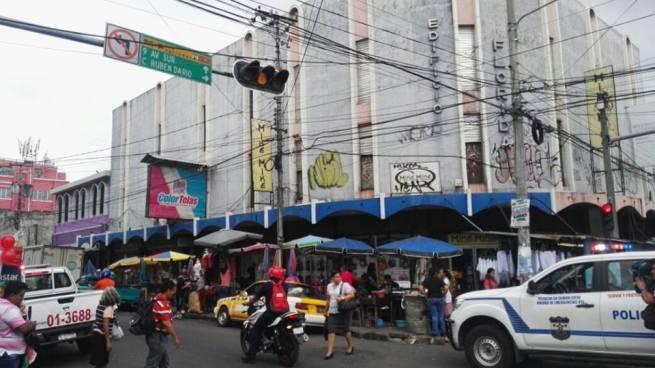 Vigilante fallecido y mujer herida tras ataque armado en el centro de San Salvador