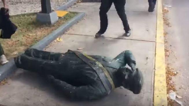 16 detenidos serán procesados por derribar estatua de Hugo Chávez