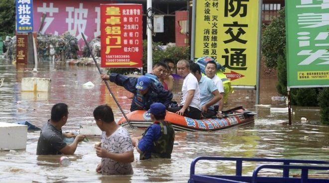 Fuertes lluvias torrenciales dejan al menos 56 muertos y 22 desaparecidos en China