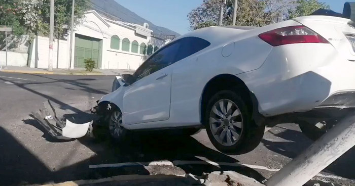 Al menos 8 lesionados tras fuerte choque en colonia Escalón