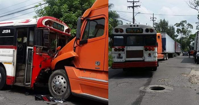 Autobús choca contra una rastra en Ilopango y deja varios de sus pasajeros lesionados