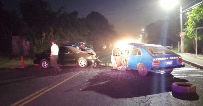 Triple choque en Ilopango dejó a 5 personas lesionadas
