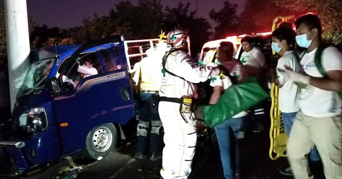 Tres lesionados tras accidente en carretera a San Juan Opico