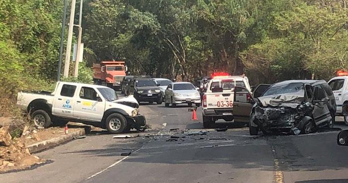 Un muerto tras choque frontal en carretera Panamericana, San Miguel