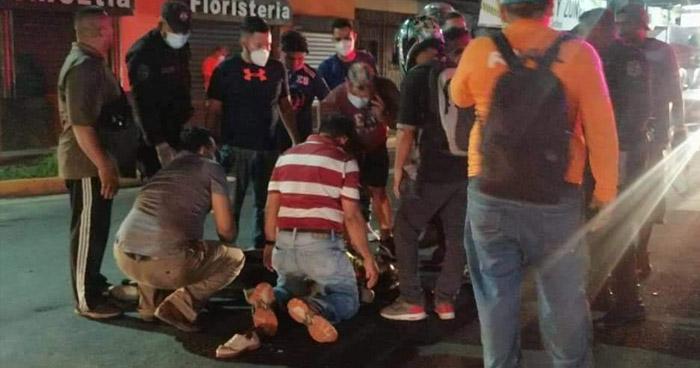 Conductor huye tras atropellar y matar a la acompañante de motociclista en San Miguel