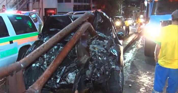 Conductor lesionado tras impactar contra separador en 49 Avenida Sur