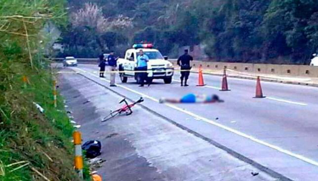 Ciclista muere tras ser atropellado en carretera Los Chorros, el responsable huyó del lugar